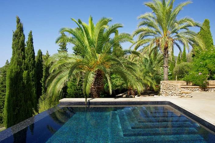 Garden designed by Maria Sagreras in finca Es Turó - Mallorca - Viveros Pou Nou