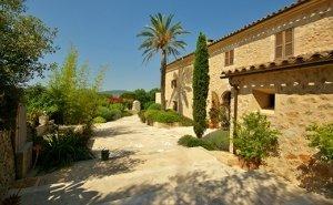 Paisajismo en Mallorca - Finca Son Font - Detalle del jardín diseñado por Viveros Pou Nou